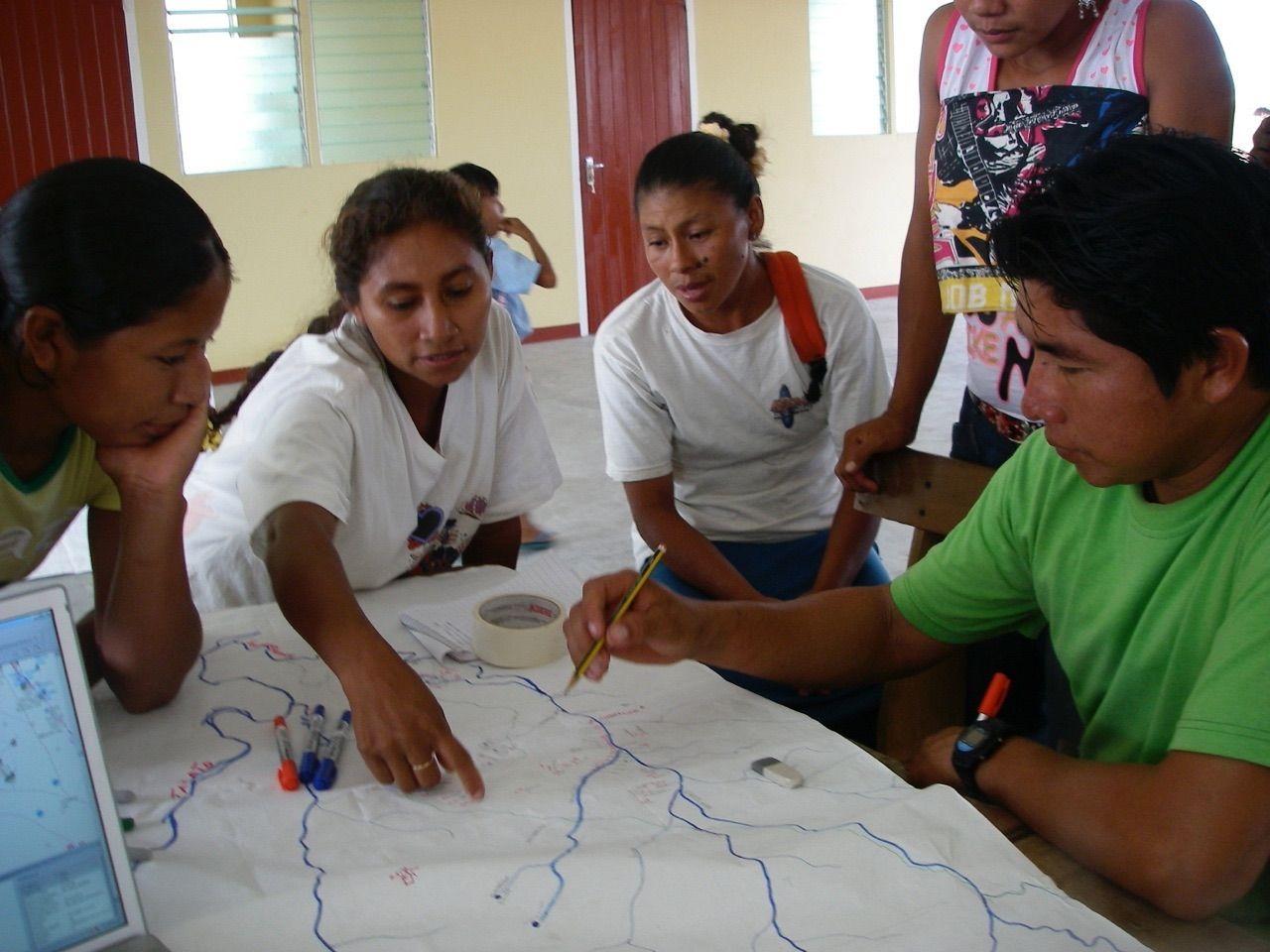 Wapichan drawing a sketch map